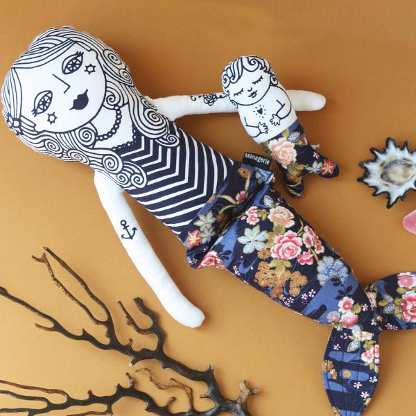 Mermaid Mama Pearl and her merbaby floral
