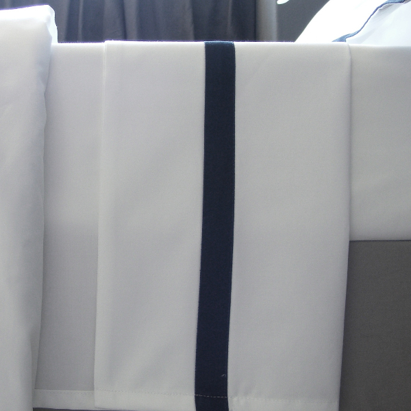 Signature Collection - Double Oxford Flat Sheets - Midnight on White