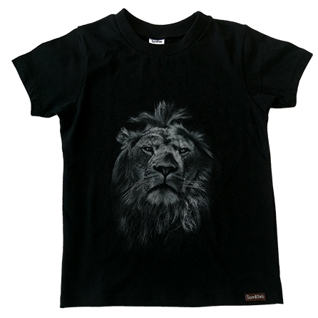 Black lion tee
