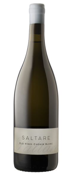 Inspired by the Val de Loire. The bushvines look like ancient small trees, thriving for over fifty years on a dryland West-facing slope on the Paardeberg (Swartland). The low yield ensures rich flavours and the mineral-rich soils add a fresh note to the wine for a perfect balance. Natural barrel fermentation. This is a food wine like few others.