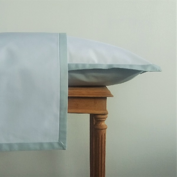 Signature Collection - Narrow Oxford Pillowcases (2) - Breeze on White
