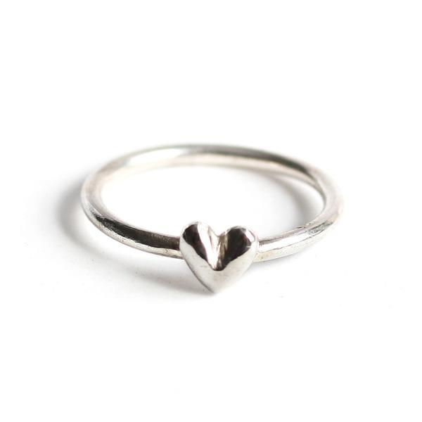 Silver fat heart ring