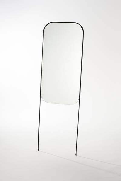 A refined range of free standing mirrors that speak a visual language of minimalism and simplicity. The Round version comes with an adjustable solid Oak shelf, which forms a functional platform for storage and display of small items in a convenient place.