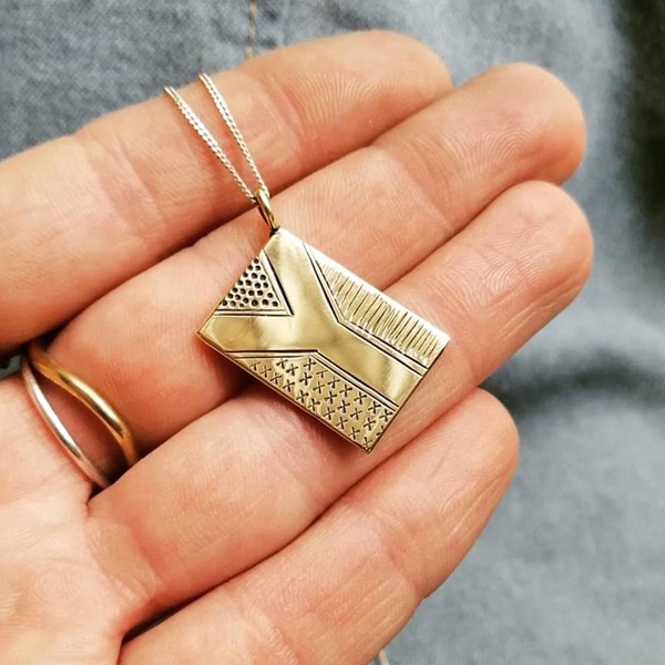 FLY THE FLAG Necklace