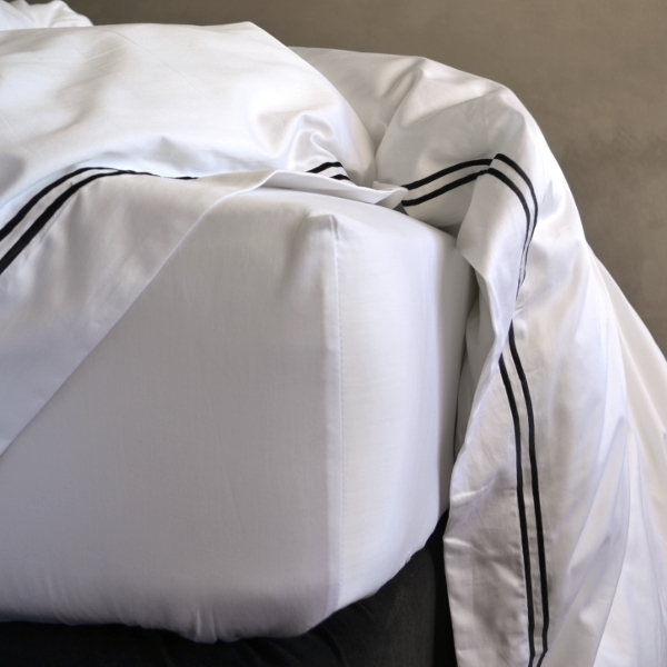 Signature Collection - Fitted Sheets - White